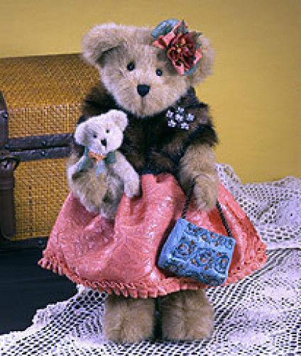 "Boyds Bears ""Lady Wellington""  16"" Bear- #4015928- NWT- 2009-Retired"