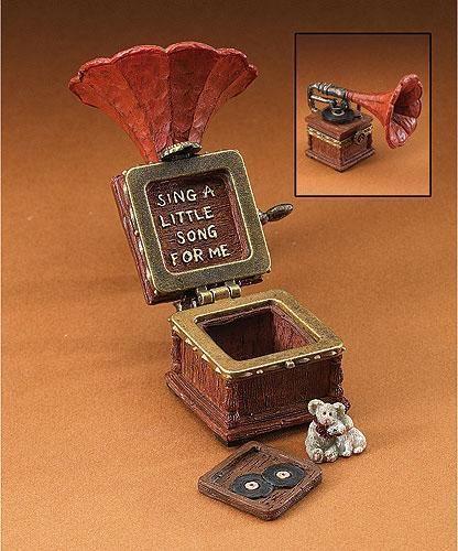 """Boyds Treasure Box """"Edison's Victrola w/ Spin Mcnibble"""" #392173 -1E-NIB"""