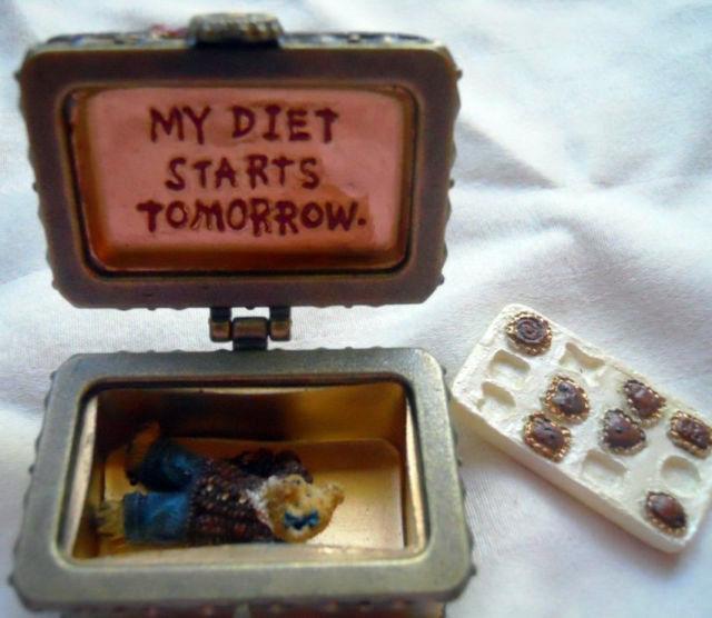 """Boyds Treasure Box """"Cocoa's Candy Box w/Morsel McNibble"""" #02005-32* NEW* Retired"""