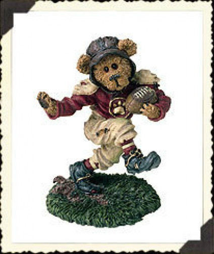 """Boyds Bearstone """"T.D. GridIron..Touch Down""""  #228356 *1E* NEW * 2001*Retired"""