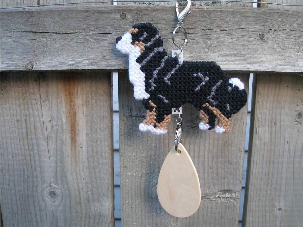 Bernese Mountain Dog crate tag or hang anywhere, hand stitched kennel accessory