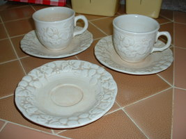 Metlox Poppytrail ANTIQUE GRAPE saucers and cups; 1964. - $12.99