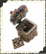 "Boyds Treasure Box ""Lizzie's Berry Basket w/Currant McNibble"" #392110-Ne... - $19.99"