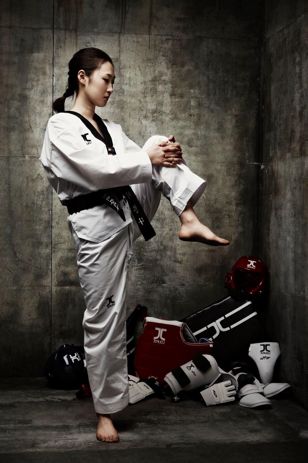 Dan Gyoguri Sparring Uniform Black V-neck and 50 similar items