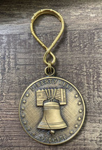 U.S. BICENTENNIAL BRONZE Color Coin Keychain Liberty Bell 1976 - $9.85