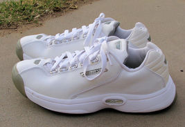 Men's Reebok White Leather Sneakers Shoes Size 7.5 - $19.99