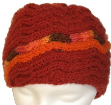 Red Hand Knit Hat with Orange Spiral - €22,06 EUR