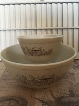 Two Vintage Pyrex Mixing Bowls in Forest Fancies #401 & #403 Retro Kitchen Colle - $15.00