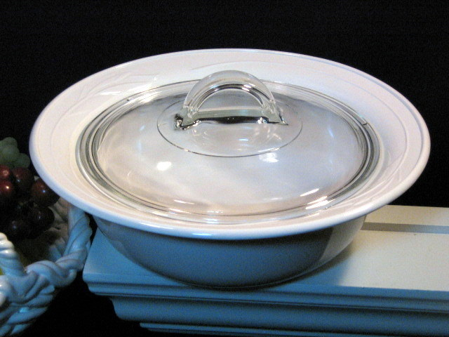 Corning Ware Flora Round Covered Casserole Vintage Glass Cookware Bakeware