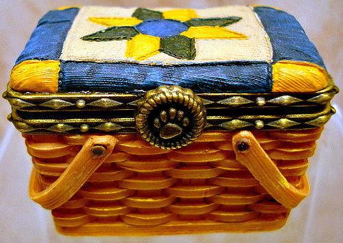 "Boyds Treasure Box""Rosella's Basket of Friendship""#02009-21 FoB -NIB-2009Retired"
