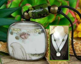 Vintage Oriental Porcelain Pottery Floral Shard Pendant Beads Necklace - $27.95