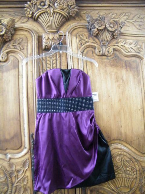 "Jrs.""Charlotte Russe"" Cute & Trendy~ Purple/Black~ Strapless Dress ~ Size 2~ NEW"