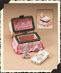 """Boyds Treasure Box """"The Royal Bed w/Princess Pipsqueak McNibble""""#392164* NIB* 2E"""