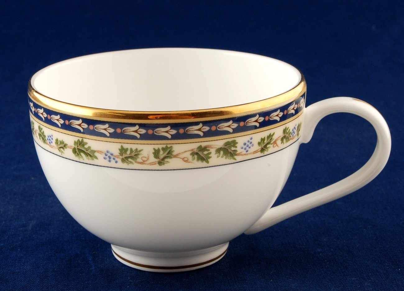 Gorham grand tapestry cup