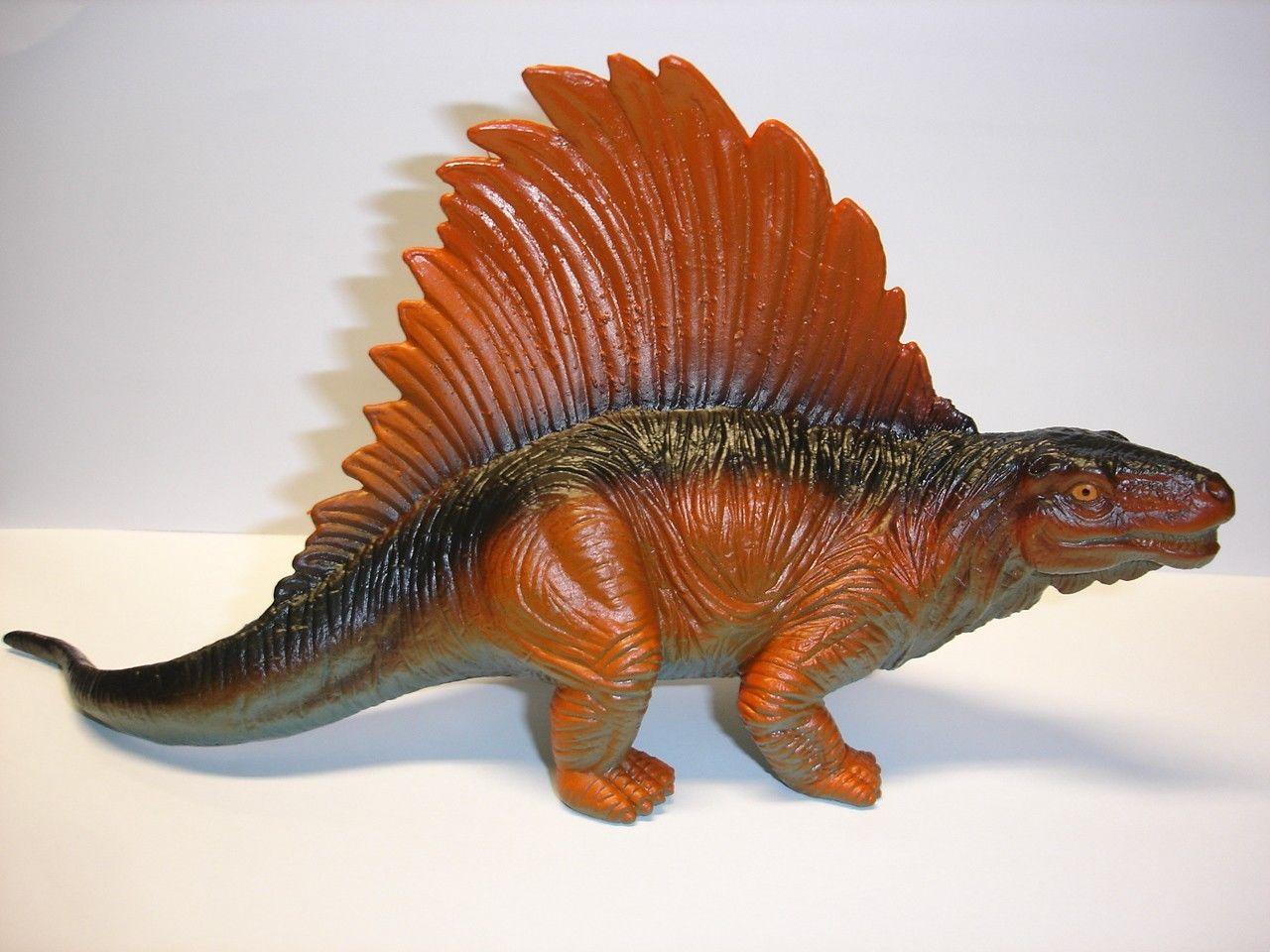 """Used 4.5"""" tall plastic Dimetrodon dinosaur figurine figure"""