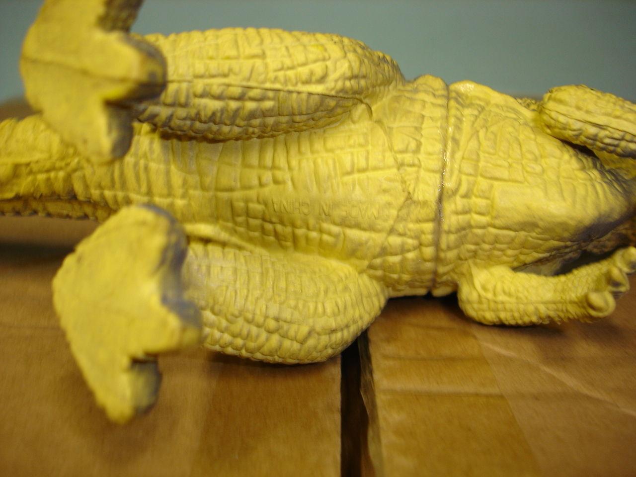 """Used 7"""" tall plastic dinosaur figurine figure image 5"""