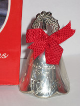 NIB 1997 INTERNATIONAL SILVER ANNUAL CHRISTMAS BELL Silver Plate Wreath Finial image 1