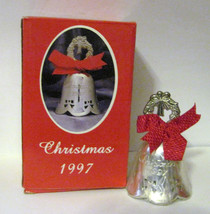 NIB 1997 INTERNATIONAL SILVER ANNUAL CHRISTMAS BELL Silver Plate Wreath Finial image 2