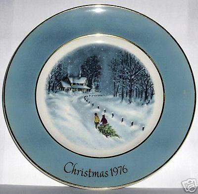 1976 CHRISTMAS PLATE 3 AVON BRINGING HOME THE TREE WEDGWOOD Third Edition