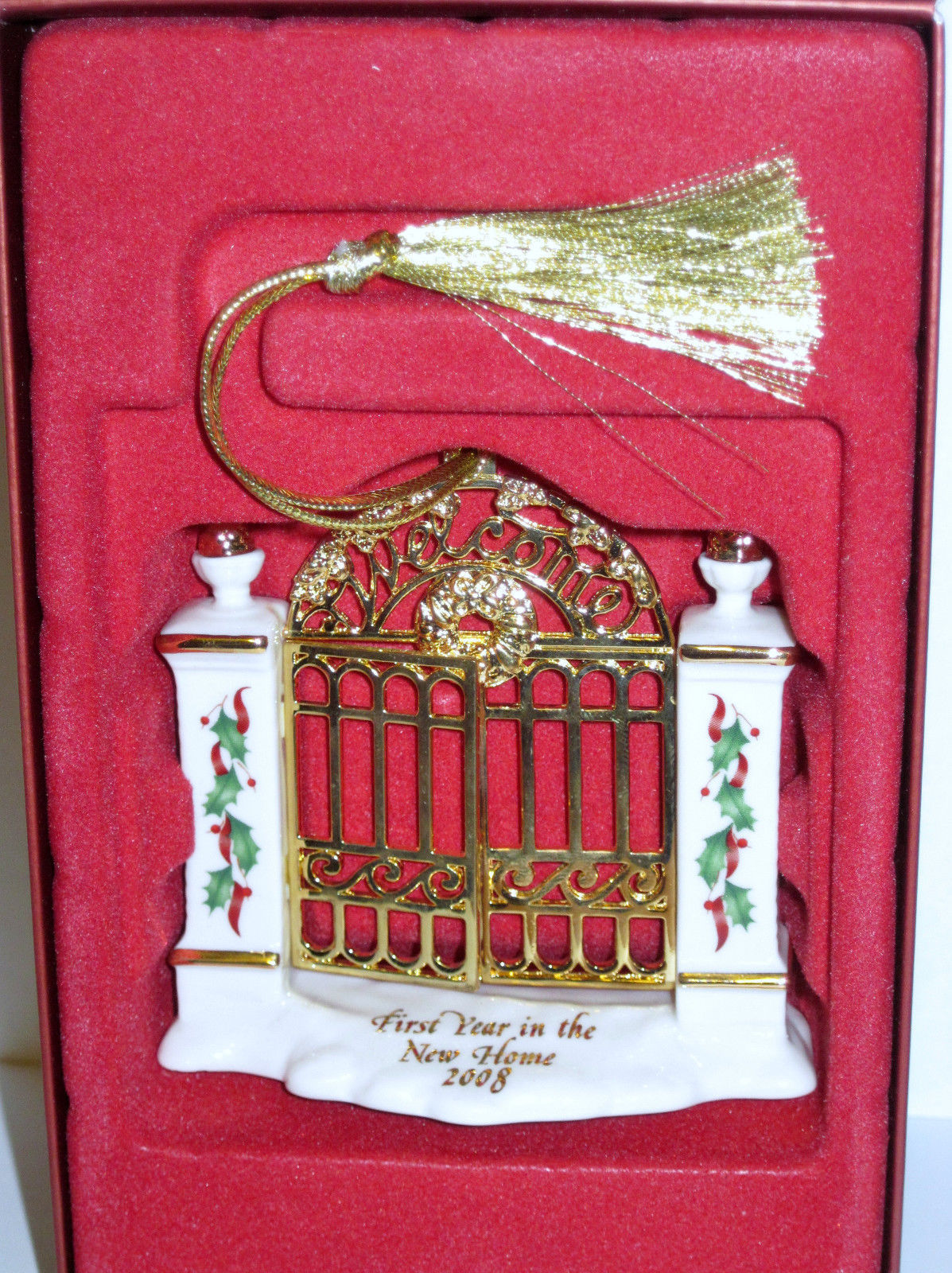 NIB Lenox 2008 Annual First Year in New Home Christmas Ornament Welcome Gate