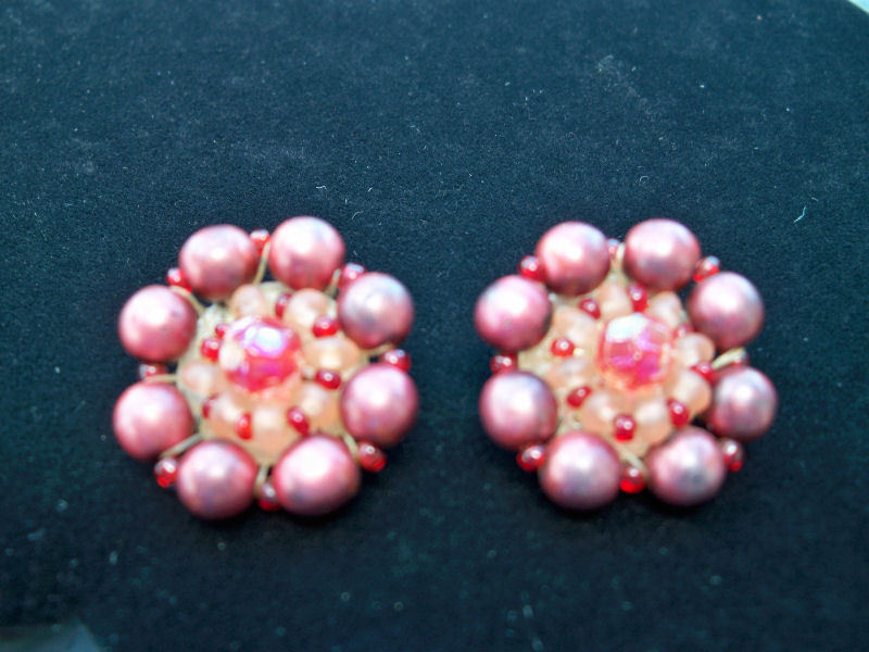 Vintage plum beaded earrings1