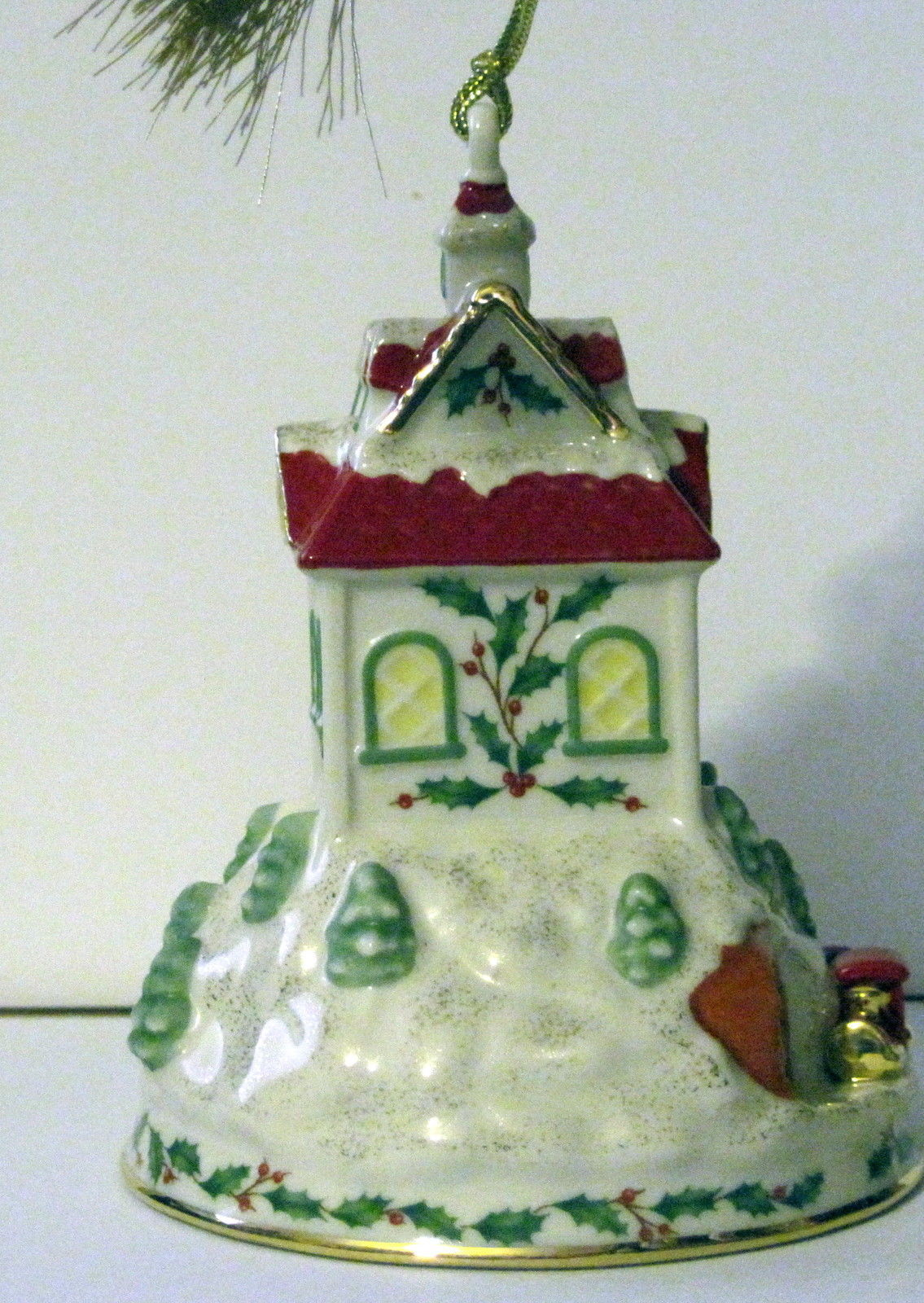 NIB LENOX 2008 Annual Holiday Ride Christmas Ornament Train Station Depot Train image 6