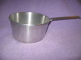 Vintage 1940's-50's Aluminum 2 Qt. Pan Lightweight, Good Condition !  - $14.00