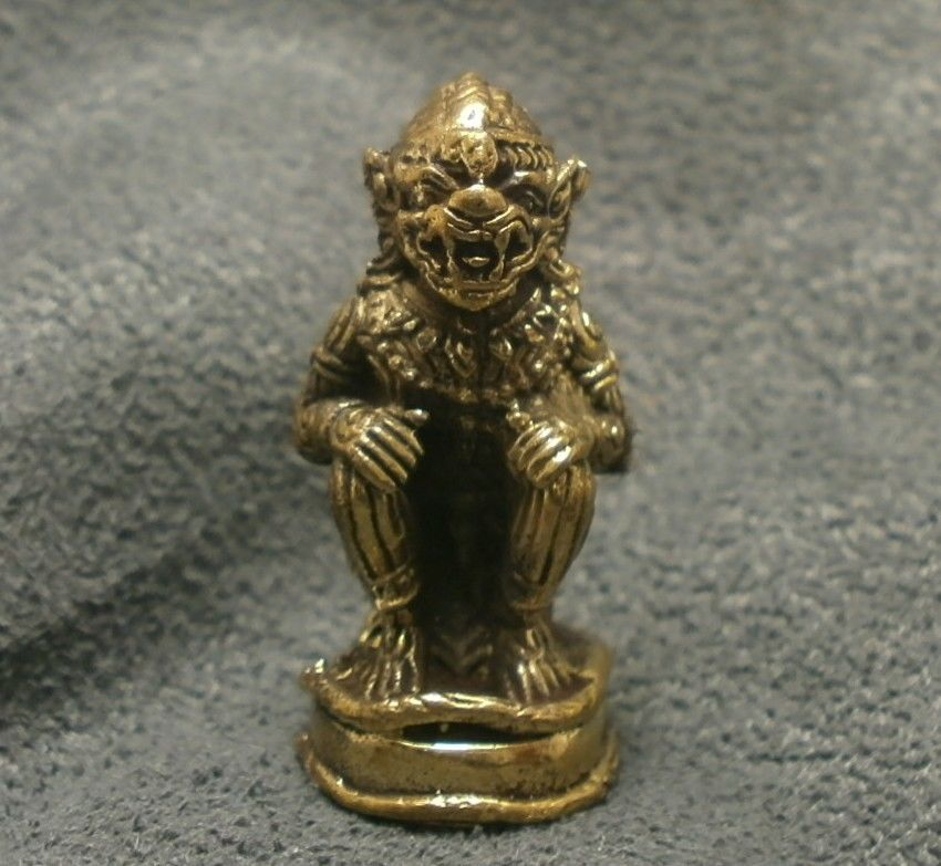 LORD HANUMAN RAMAYANA MONKEY KING MUAY THAI LIFE PROTECTION MINI AMULET TALISMAN