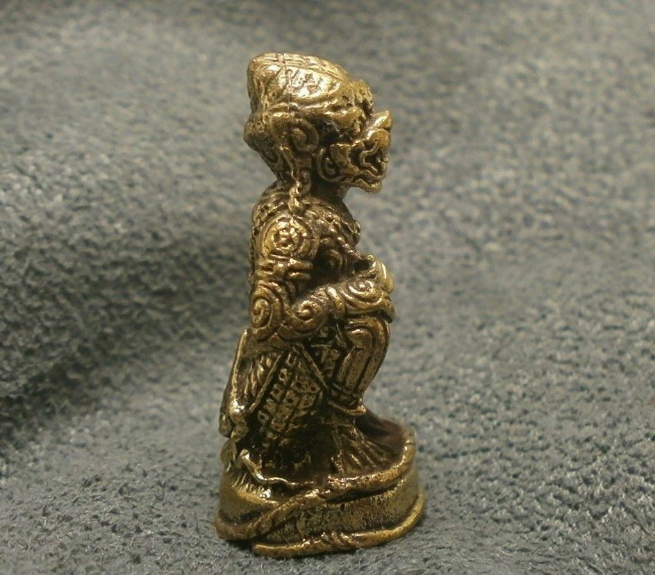 LORD HANUMAN RAMAYANA MONKEY KING MUAY THAI LIFE PROTECTION MINI AMULET TALISMAN image 4