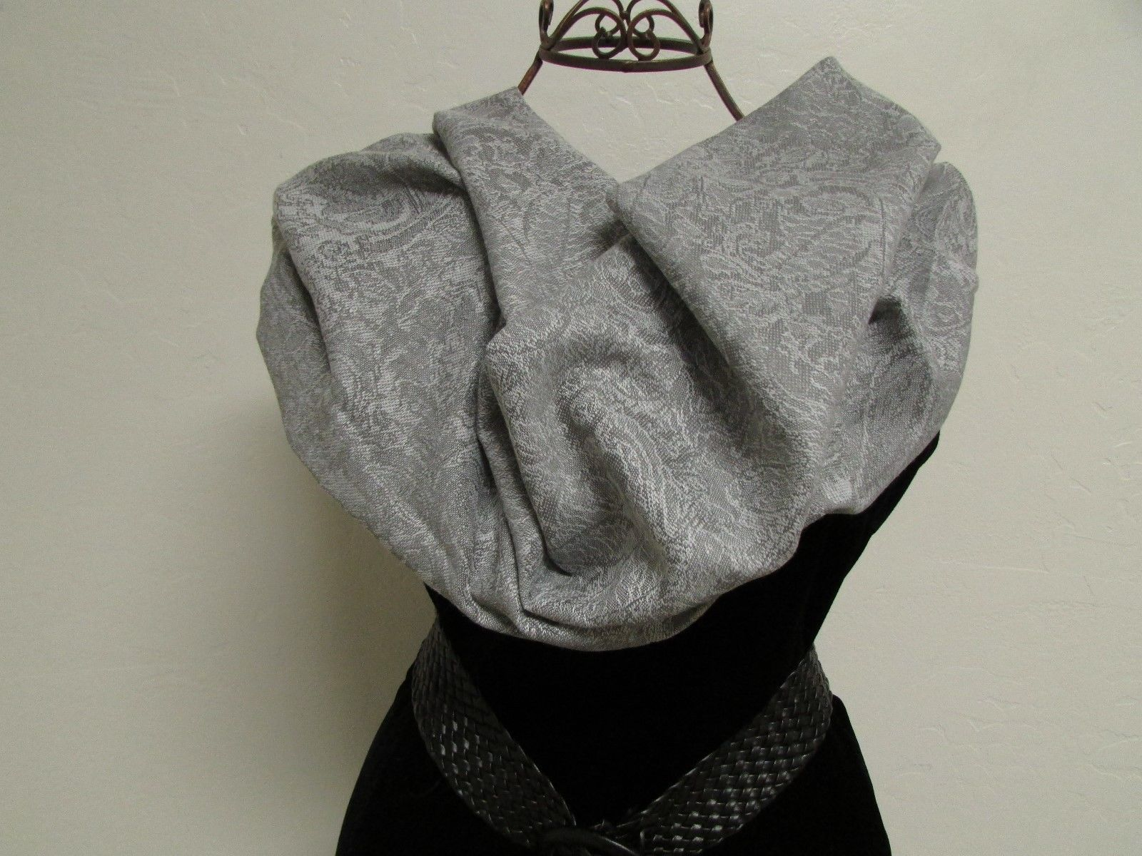 Exquisite Pashmina And Silk Scarf, Shawl Tone On Tone Gray image 3