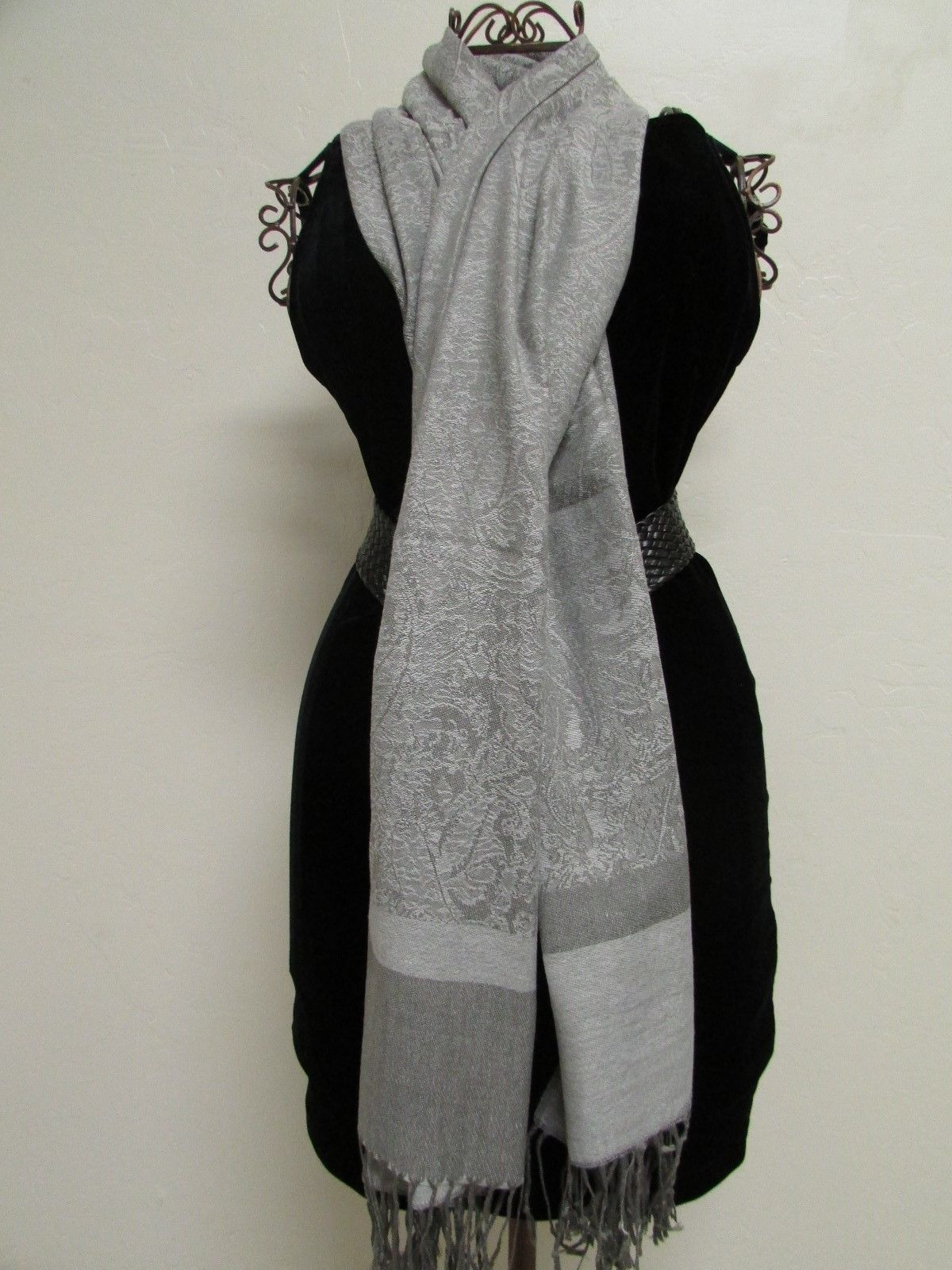 Exquisite Pashmina And Silk Scarf, Shawl Tone On Tone Gray image 4