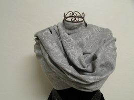 Exquisite Pashmina And Silk Scarf, Shawl Tone On Tone Gray image 7