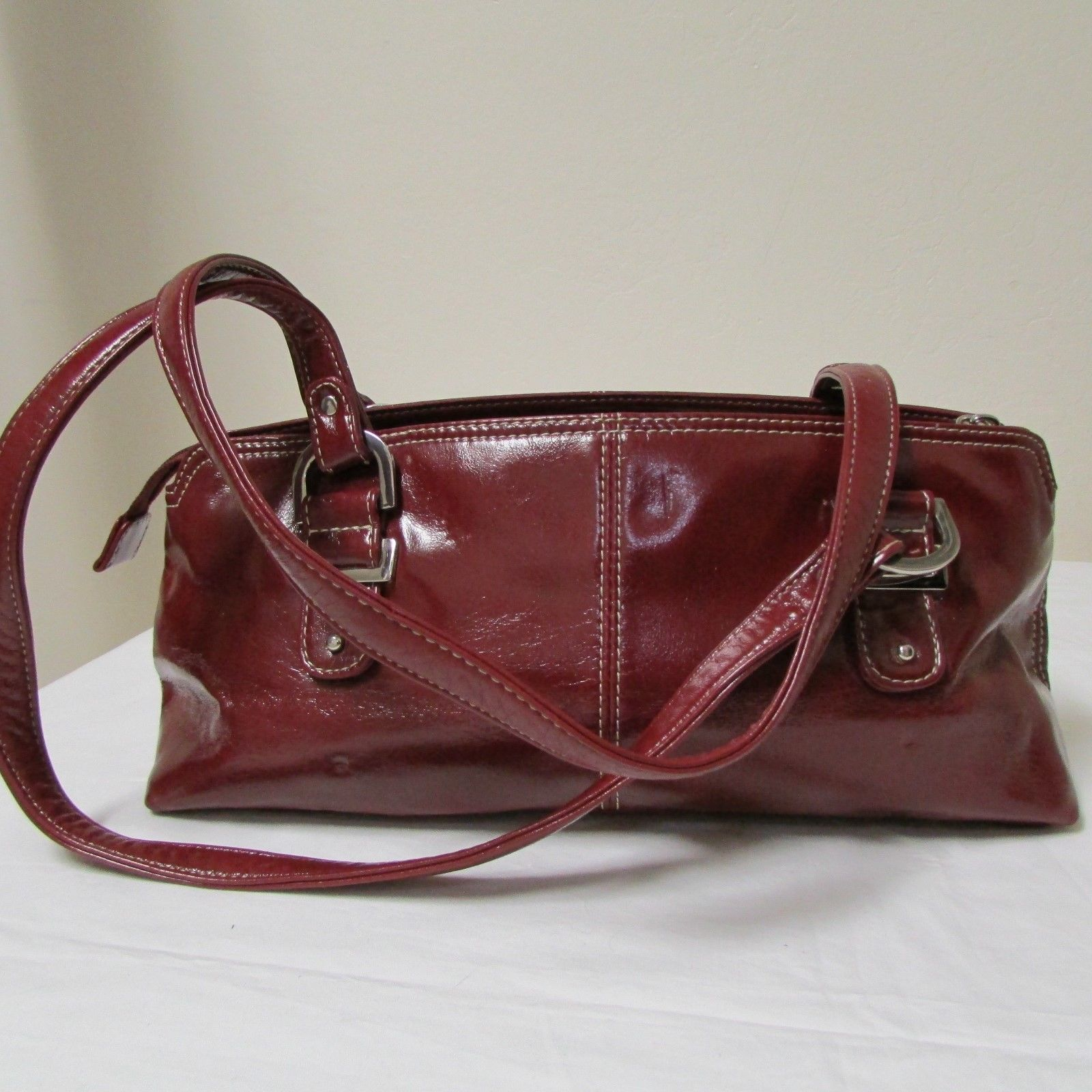 Relic Brand Cranberry Red Faux Leather Shoulder Bag Size Small image 3
