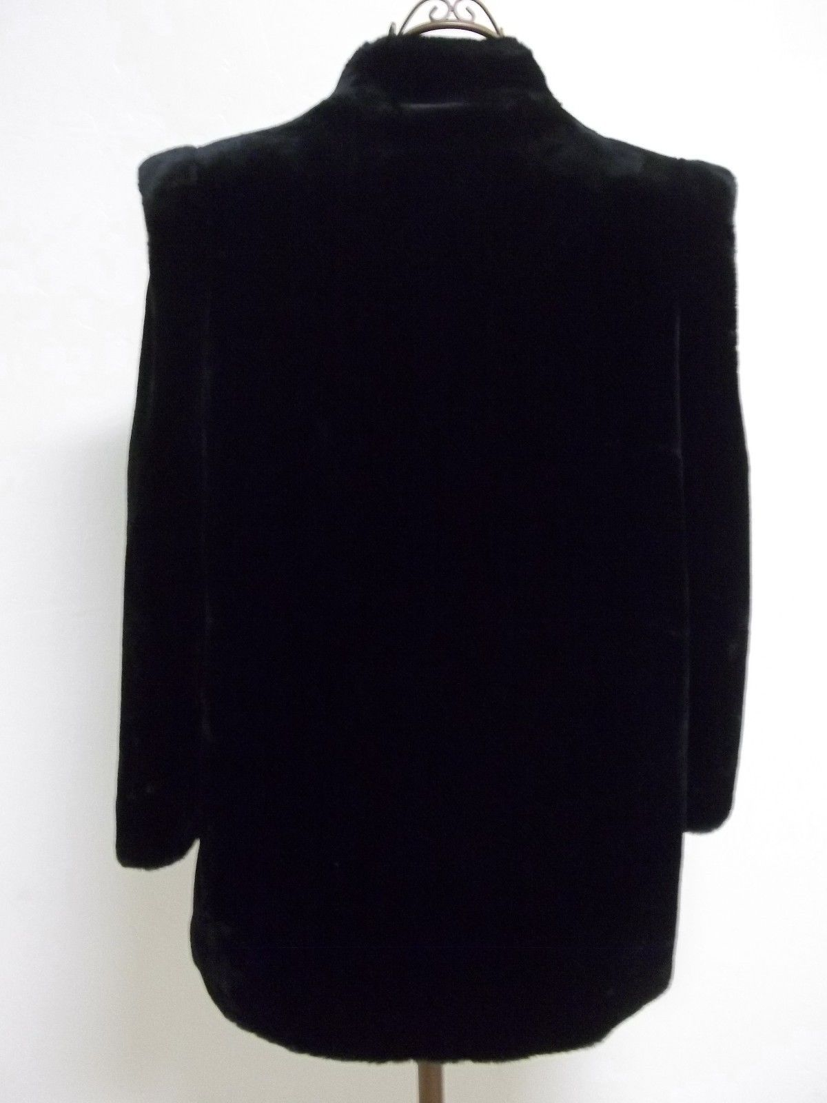 Beautiful Vintage Women's Sz 14 1/2 Black Faux Fur intrigue by Glenoit image 3