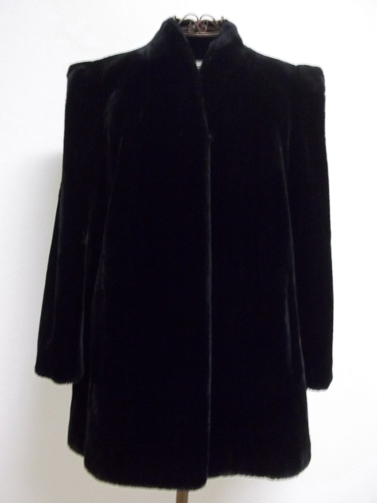 Beautiful Vintage Women's Sz 14 1/2 Black Faux Fur intrigue by Glenoit image 2