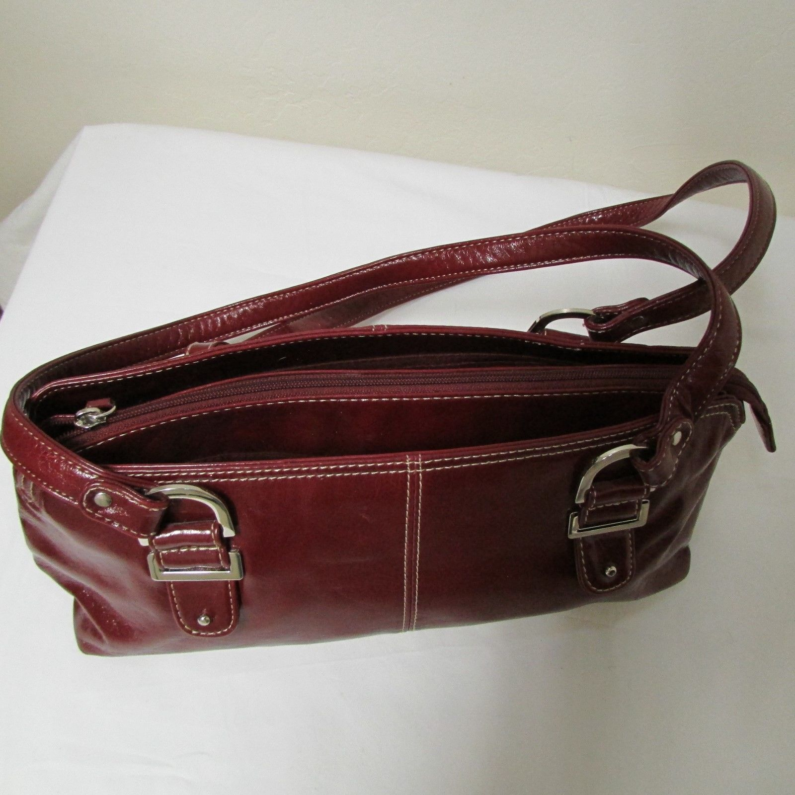 Relic Brand Cranberry Red Faux Leather Shoulder Bag Size Small image 5