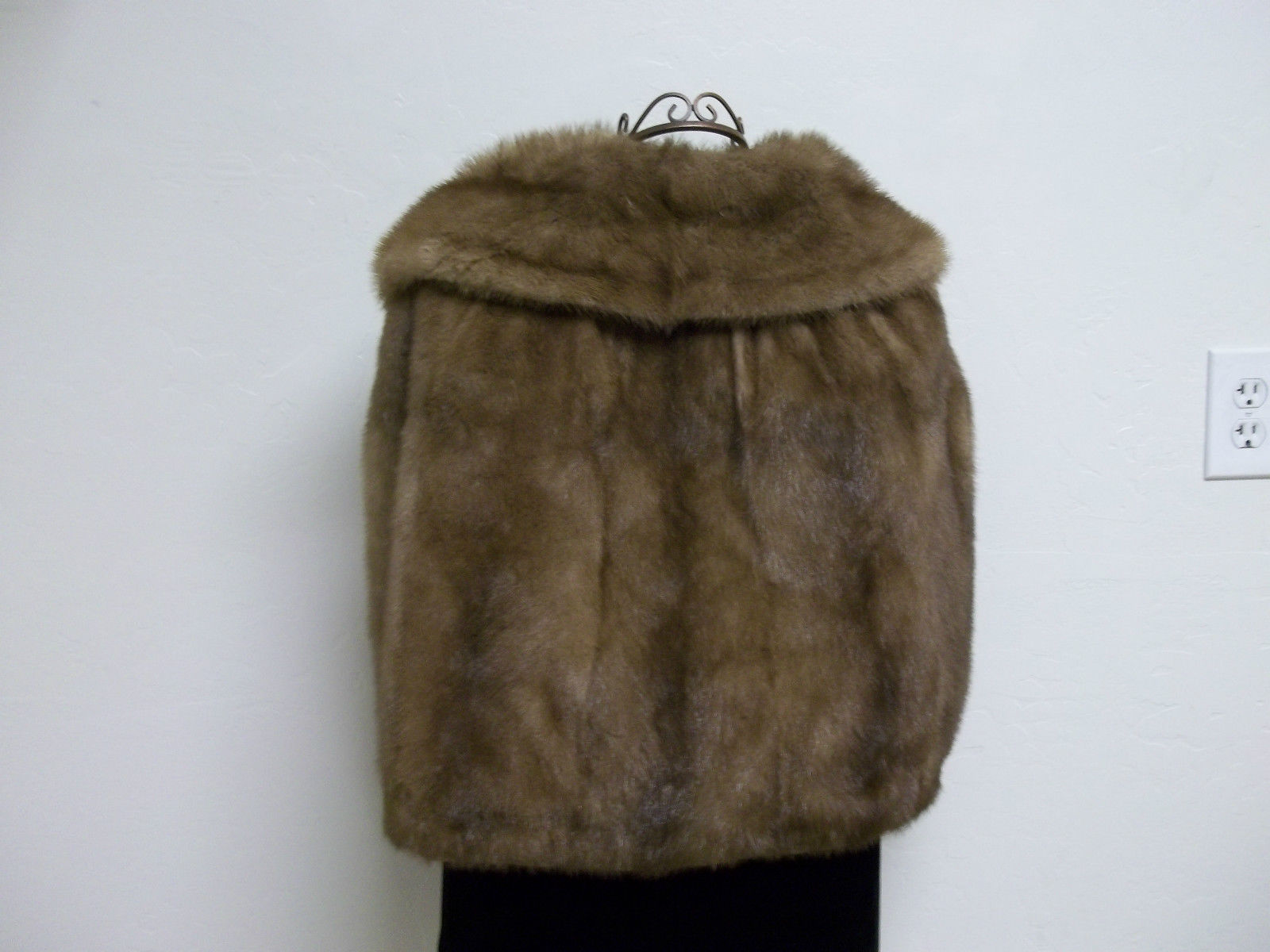 Soft Silky Tan Mink Cape by Stanley Furs Size Medium image 5