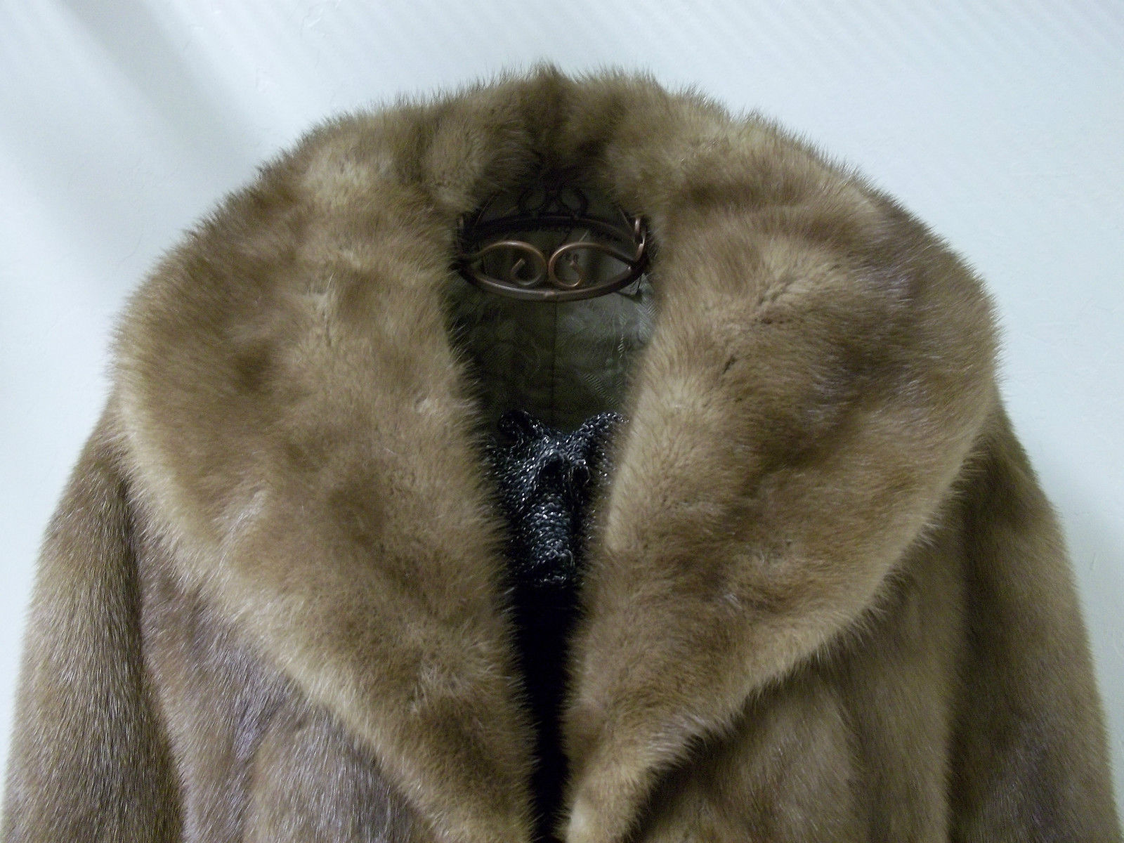 Soft Silky Tan Mink Cape by Stanley Furs Size Medium image 3