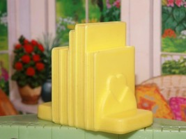 Playskool Dollhouse Yellow Bookshelf Mantel book fits fisher price lovin... - $3.99