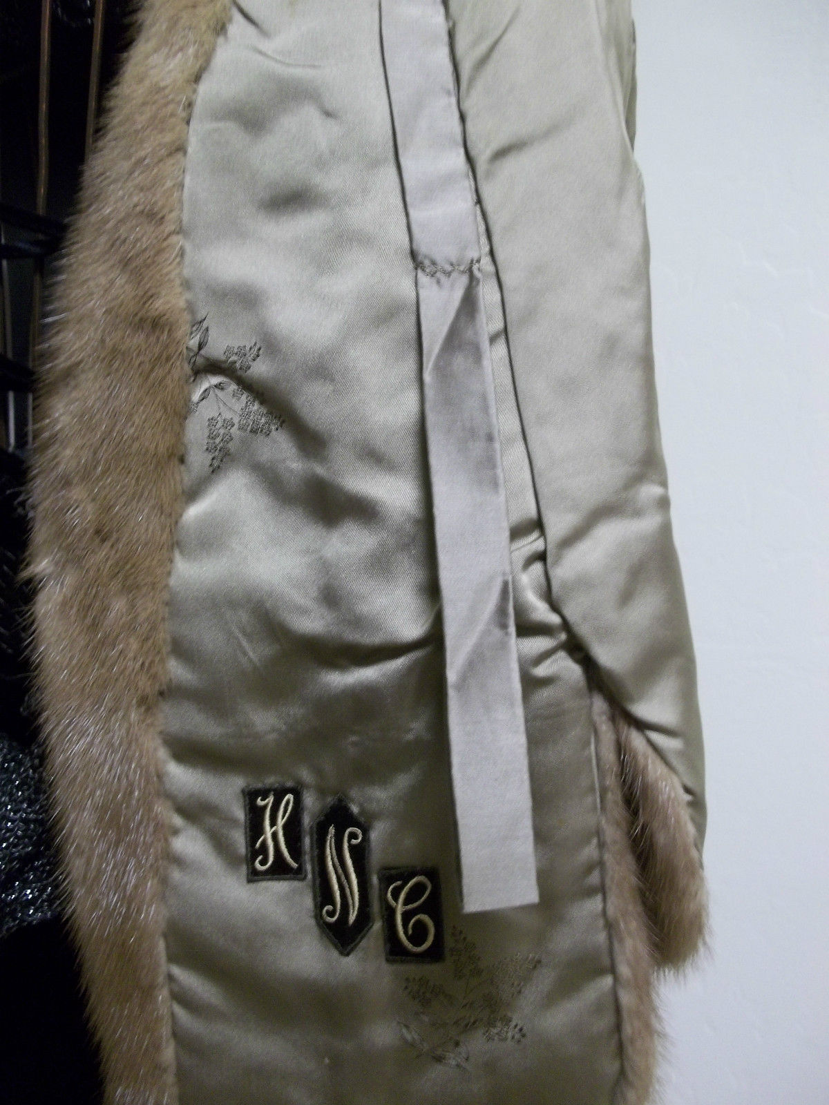 Luxurious Amazingly Soft Tan Mink Cape Petersen's Fine Furs Women's Medium image 4
