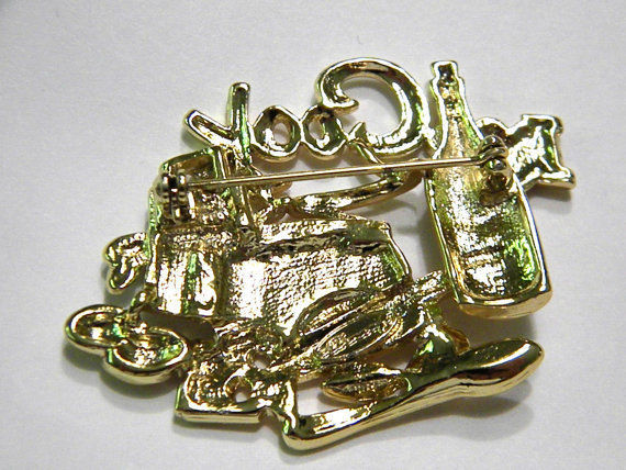 Danecraft Pin I love 2 Cook brooch Figural Vintage