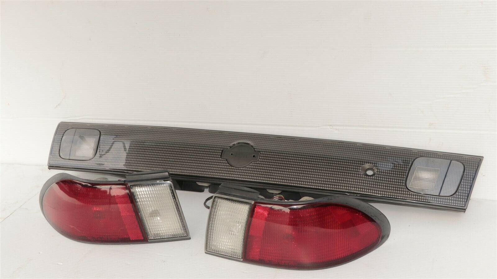 98-99 Nissan Sentra B14 Tail Lights & Center Reflector Panel Carbon Fiber Look
