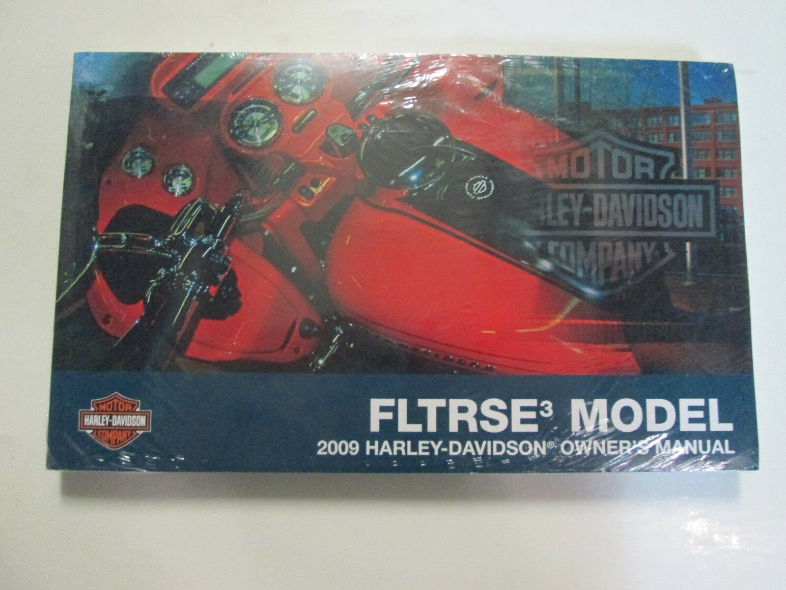 Primary image for 2009 Harley Davidson FLTRSE3 Screamin Eagle Road Glide Owners Operators Manual