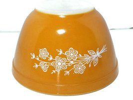 Pyrex Butterfly Gold 401 Small Nesting Mixing Bowl Primary 1.5 Pint USA - $9.85