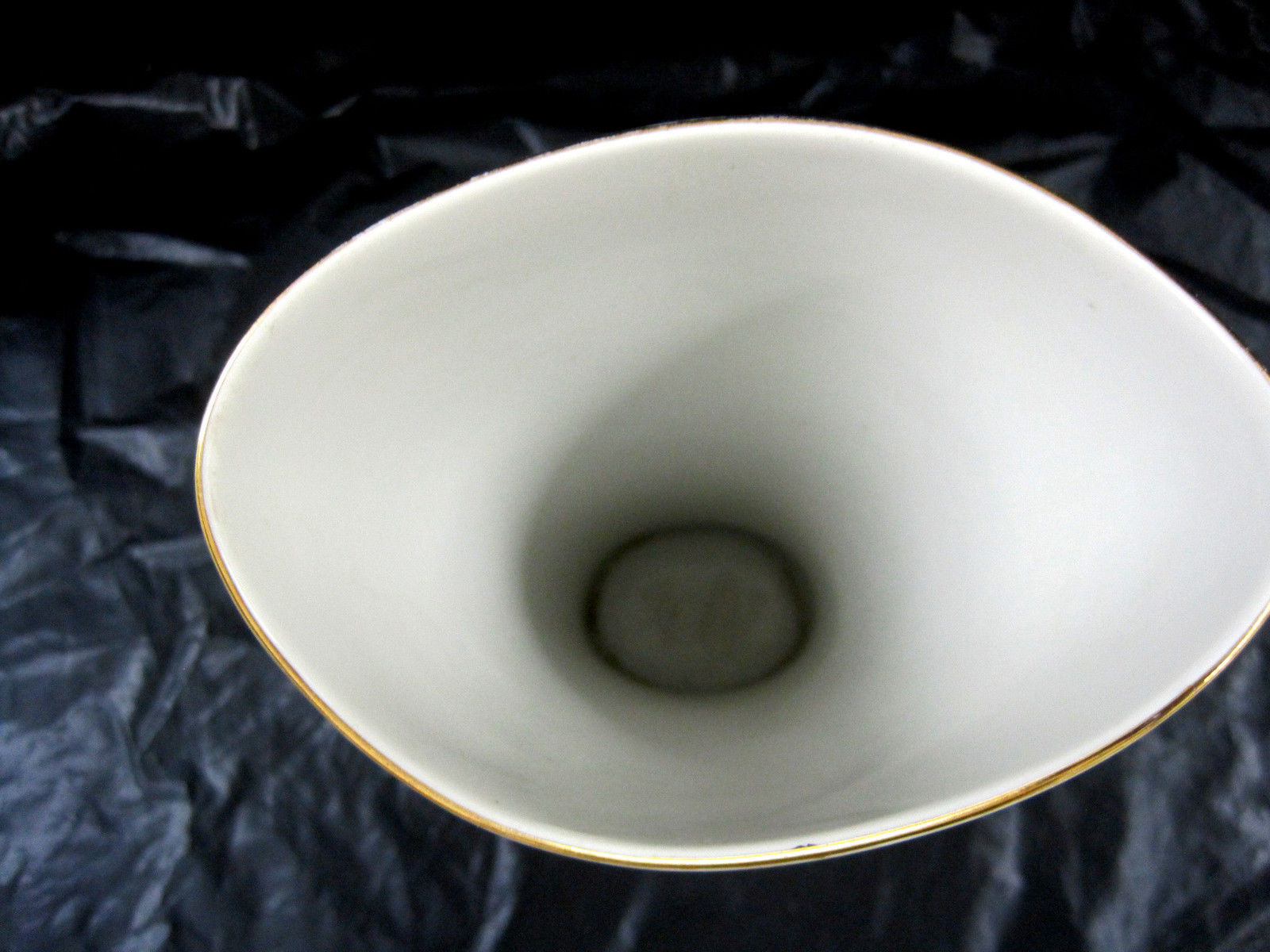 Signed Zeh Scherzer Bavaria Germany Porcelain Vase Exquisite Leaf Design White