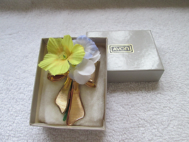 Avon 1980 pin/brooch flower holder, with original flowers and box, unused - $20.00