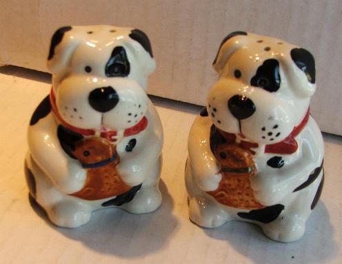 White black dog shakers