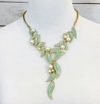 Enamel Green Leaves Faux Pearl Gold Tone Statement Necklace - £18.41 GBP