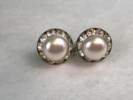 Vintage Imitation Pearl Rhinestone Silver Tone Screw Back Earrings Colle... - $7.70