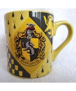 Harry Potter Coffee Cup Mug Yellow HUFFLEPUFF Crest Shield Coat of Arms ... - $14.00